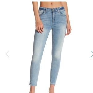NWT! 7 For All Mankind cropped skinny jeans